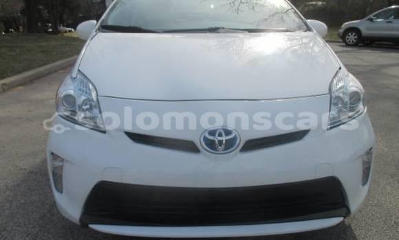 Buy Used Toyota Prius White Car in Honiara in Guadalcanal