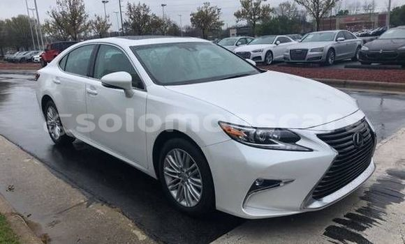 Buy Used Lexus ES White Car in Auki in Malaita