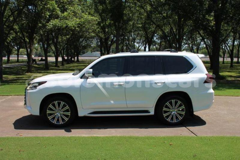 Big with watermark 2016 lexus lx 570 5